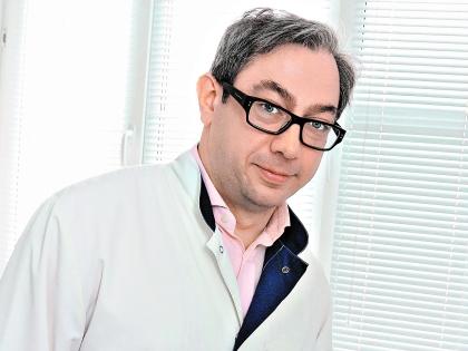 """Онколог Павел Свиридов не понимает, как оперировать пациентов """"наполовину"""""""