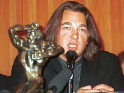 Константин Эрнст со статуэткой