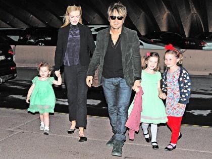 Николь Кидман с семьей