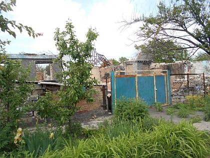 Разбомбленные дома в Амвросиевке