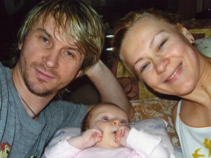 Васюта стал отцом в 41 год. Его жена Ольга 8 лет назад родила Софию (на фото)