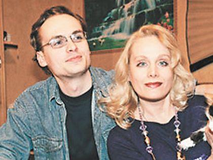 Внук Мордюковой со своей мамой
