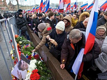 Кроме того, парламентарии осудили Москву за запрет на участие в похоронах политика своего делегата