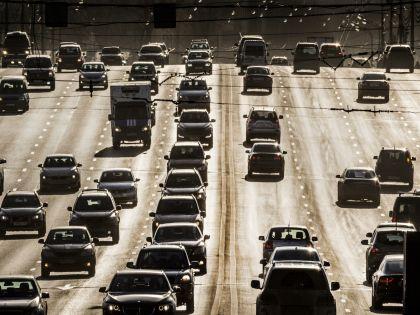 Написание SMS-сообщений за рулём так же опасно, как вождение в пьяном виде, уверен учёный