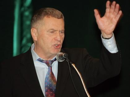 Жириновский сказал, что весь парламент надо сократить вдвое