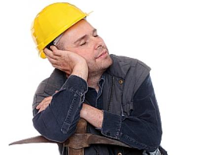 Рабочий спит